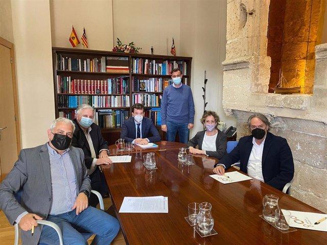 Reunión de la FEBT y empresarios del sector del transporte con el jefe del gabinete del ministro Ábalos, Ricardo Mar.