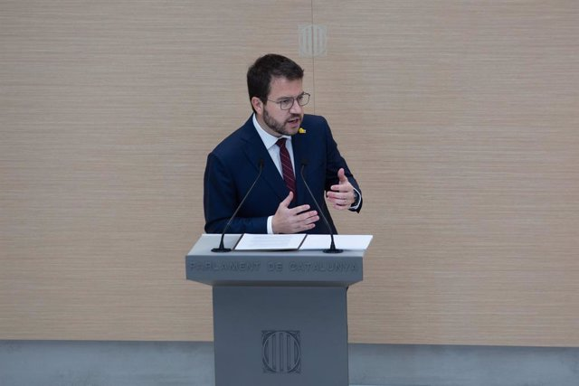 El vicepresident de la Generalitat en funcions i candidat d'ERC a la Presidència, Pere Aragonès, intervé en la primera sessió del debat d'investidura a la presidència de la Generalitat de Catalunya, en el Parlament.