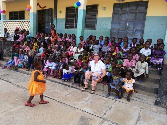 El proyecto de cooperación en Burkina Faso aumenta la dotación de los microcréditos para mujeres rurales.