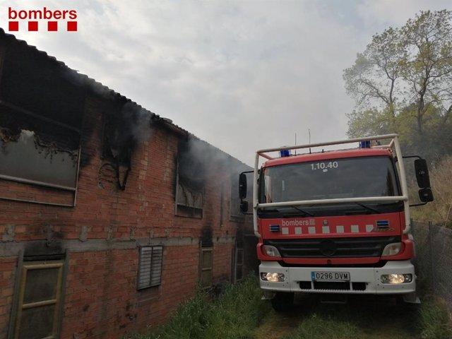 Un incendi en una granja a Castellbell i el Vilar (Barcelona)