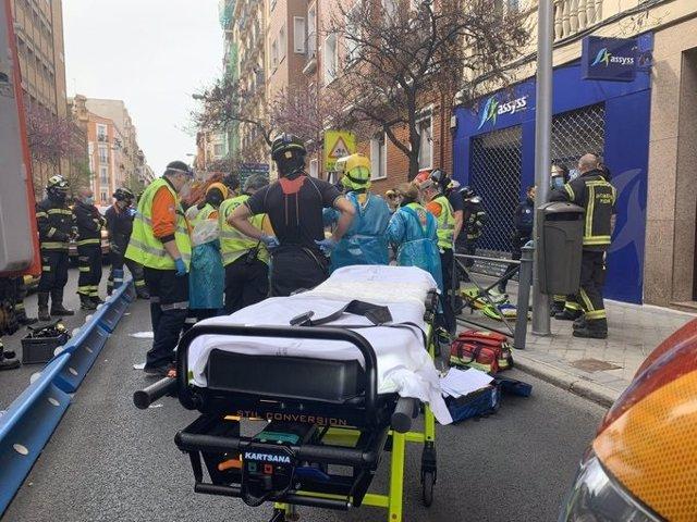 Accidente en la calle Fernando el Católico entre una moticicleta y un turimos