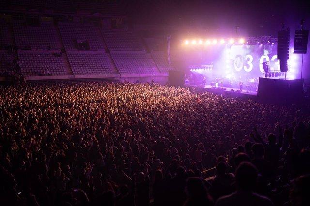 Vista del concert de Love of Lesbian en el Palau Sant Jordi a Barcelona
