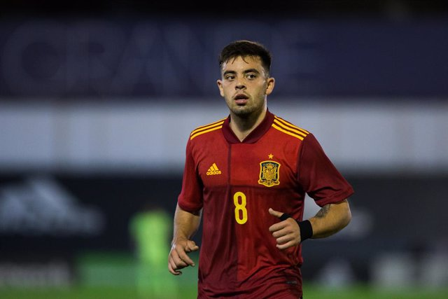 Archivo - Fran Beltran of Spain U21 during the UEFA Euro Under 21 Qualifier match between Spain U21 and Faroes Island U21 at Estadio Municipal de Marbella on November 12, 2020 in Malaga, Spain.