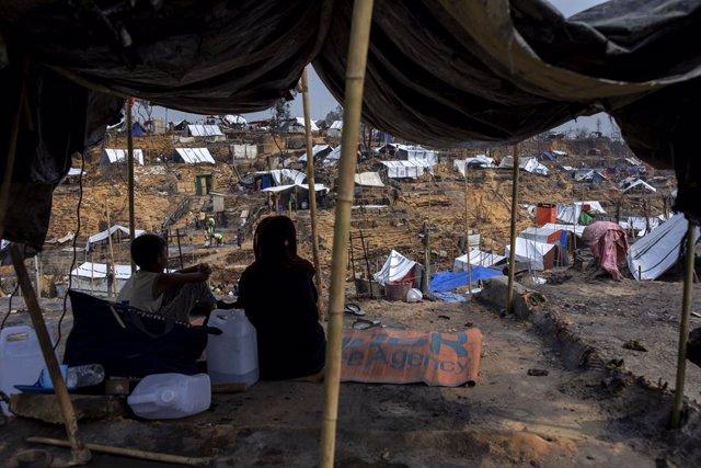 Incendio en el campamento de refugiados rohingyas en Bangladesh