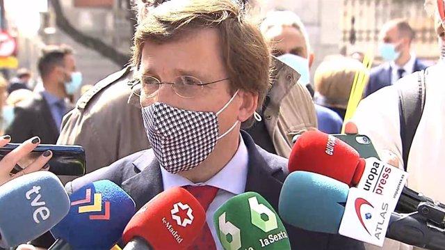 El portavoz nacional del PP, José Luis Martínez-Almeida, en declaraciones a los medios este domingo
