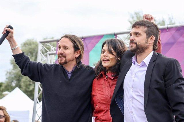 Archivo - Pablo Iglesias e Isa Serra en un acto de Unidas Podemos en Alcorcón, Madrid