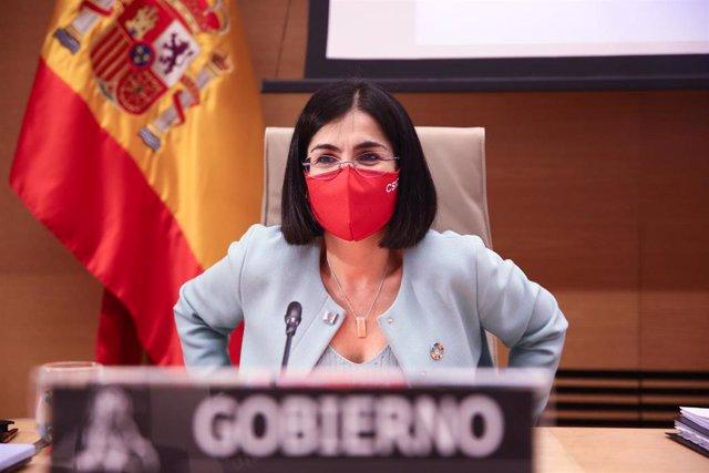 La ministra de Sanidad, Carolina Darias, en la Comisión de Sanidad del Congreso este 25 de marzo