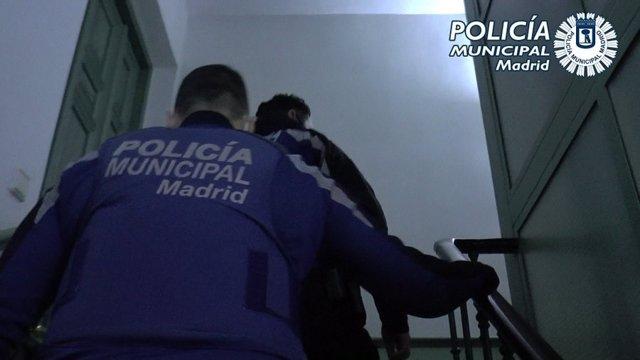 Archivo - Policía Municipal de Madrid desaloja una fiesta ilegal