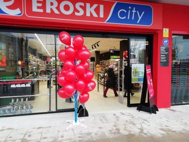 Archivo - Nuevo establecimiento de Eroski en Vitoria
