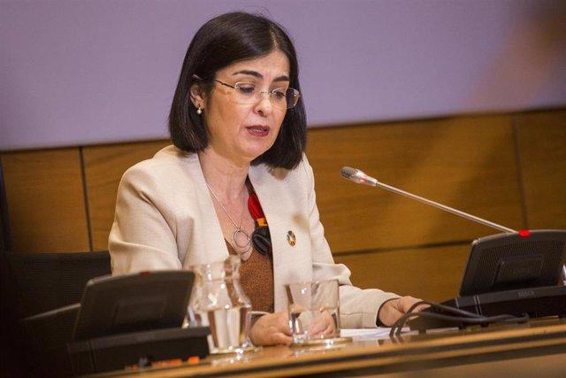 La ministra de Sanidad, Carolina Darias durante la presentación de la encuesta OEDA-COVID-2020 en el Ministerio de Sanidad, en Madrid (España), a 26 de marzo de 2021. La encuesta es para ver el impacto de la pandemia en el consumo de drogas y adicciones.