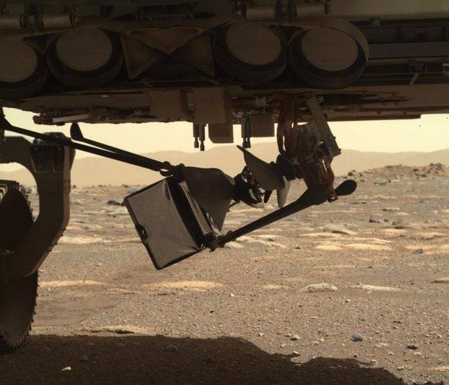 El helicóptero Ingenuity comienza a desplegarse en Marte