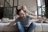 Foto: Cómo dar alas a los hijos y asentar raíces familiares seguras al mismo tiempo