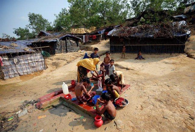 Archivo - Migrantes birmanos.