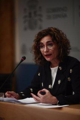 La ministra de Hacienda, María Jesús Montero, durante la rueda de prensa.