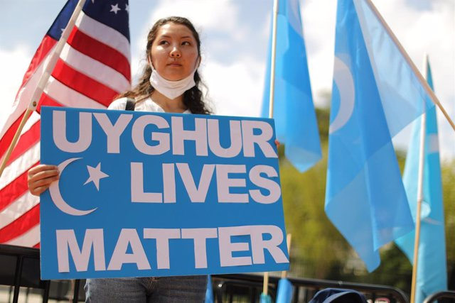 Archivo - Manifestación en el exterior de la Casa Blanca contra China pide a Estados Unidos que ponga fin al acuerdo comerciales y tomen medidas para detener la opresión de los uigures.