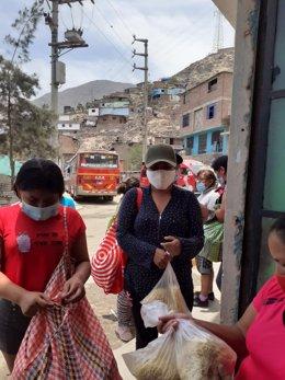 Mujeres en Perú reciben ayuda de Madre Coraje y Diputación de Huelva.