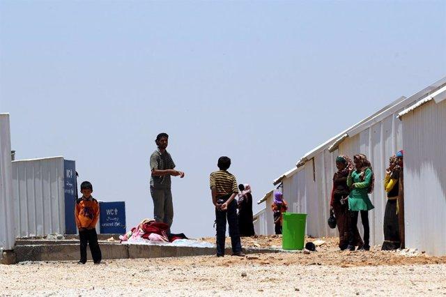 Archivo - Arxiu - Refugiats sirians en el camp d'Azraq, a Jordània