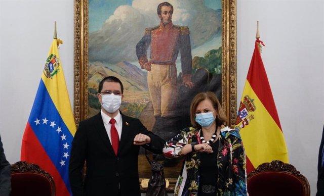 Jorge Arreaza recibe en Caracas a Cristina Gallach