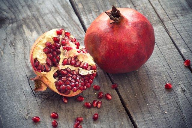 Archivo - Juicy pomegranates
