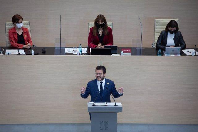 El vicepresident de la Generalitat en funcions i candidat d'ERC a la presidència, Pere Aragonès, intervé en la segona sessió del debat d'investidura al Parlament.
