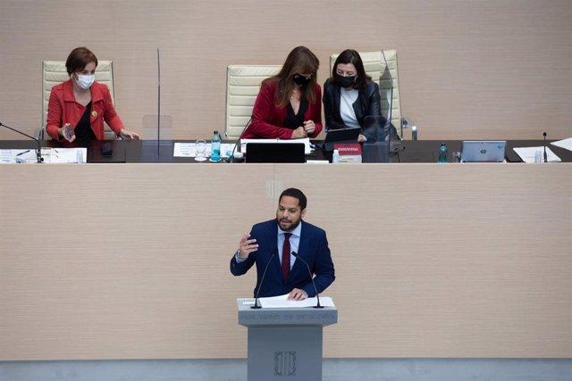 El líder de Vox a Catalunya, Ignacio Garriga, durant la segona volta del ple d'investidura del candidat d'ERC, Pere Aragonès. 30 de març del 2021, Barcelona, (Catalunya), Espanya.