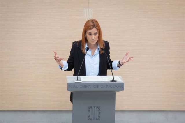 La líder de los comuns en el Parlament, Jéssica Albiach, en su intervención en la segunda sesión de investidura en el Parlament