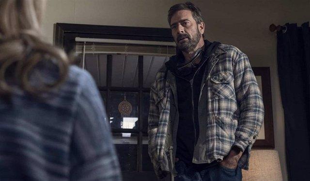 The Walking Dead escarba en el pasado de Negan el final de su temporada 10