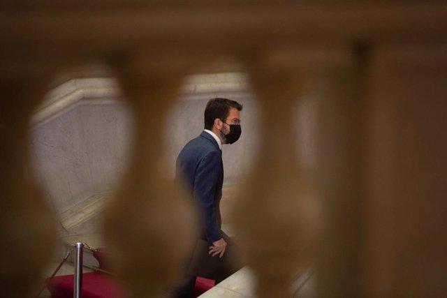 El candidato de ERC a la Presidencia de la Generalitat, Pere Aragonès, en la segunda vuelta de su investidura en el pleno del Parlament.