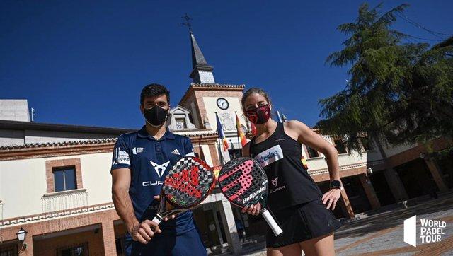 Archivo - Los jugadores de pádel Alejandro Galán y Alejandra Salazar, protagonistas de la presentación del Cupra Las Rozas Open 2020 del World Padel Tour
