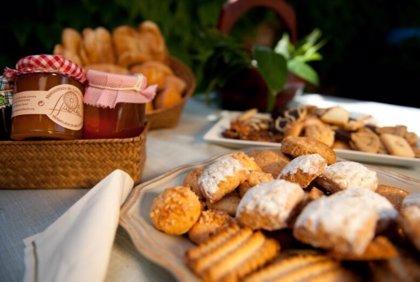 Carrefour.- Carrefour incorpora a su surtido de Semana Santa dulces del convento de las Clarisas de Morón