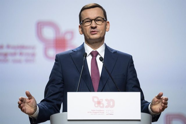 Archivo - 17 February 2021, Poland, Krakow: Mateusz Morawiecki, Polish Prime Minister, speaks during a joint press conference after a meeting with the Visegrad cooperation (V4 group) leaders during the 30th anniversary of Visegrad cooperation at Wawel Cas