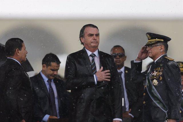 Archivo - 17 April 2019, Brazil, Brasilia: Brazilian President Jair Bolsonaro attends a ceremony marking Brazilian Army Day. Photo: -/GDA via ZUMA Wire GDA via ZUMA Wire/dpa