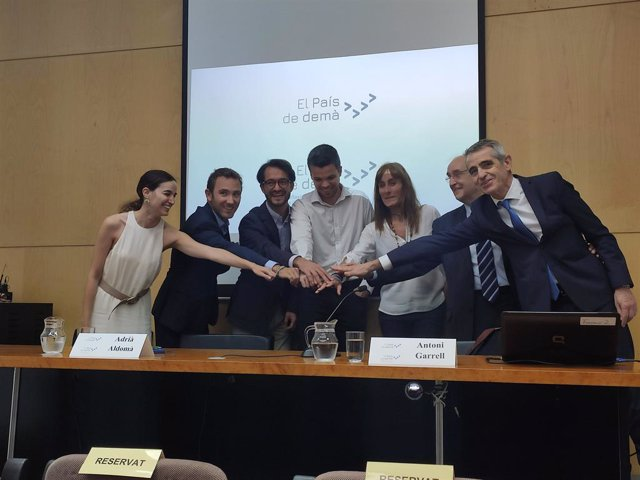 Archivo - Els coordinadors i impulsors de la plataforma El País de Demà (Arxiu)