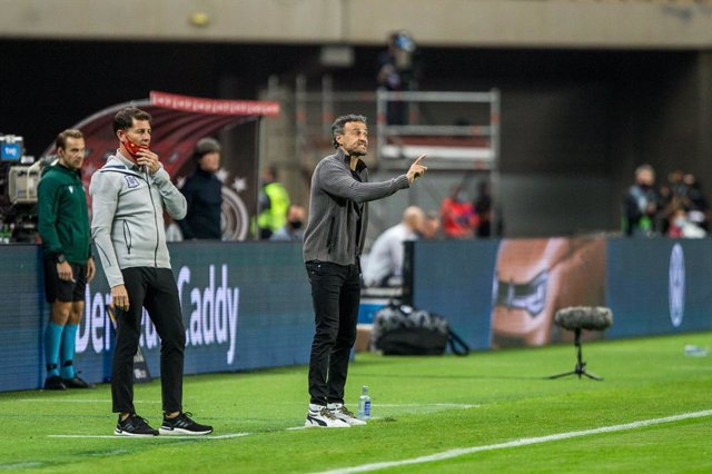Archivo - Luis Enrique Martinez, head coach of Spain, during the UEFA Nations league match between Spain and Germany at the la Cartuja Stadium on November 17, 2020 in Sevilla Spain