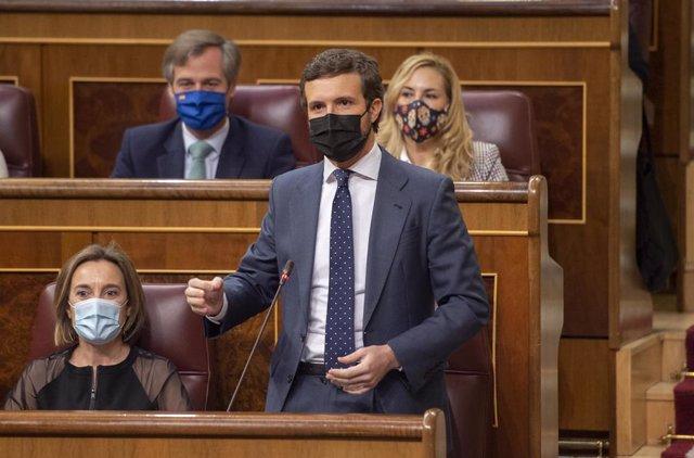 El líder del PP, Pablo Casado, interviene durante una sesión plenaria en el Congreso de los Diputados, Madrid, (España), a 24 de marzo de 2021. Este pleno, marcado por la campaña electoral de Madrid del próximo 4 de mayo, supone la última sesión de contro