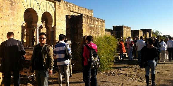 4. Córdoba recupera tras más de cien años los patios en Jueves Santo y Medina Azahara acoge visitas guiadas