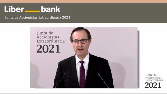 CEO de Liberbank, Manuel Menéndez, en la junta general extraordianria de accionistas 2021.