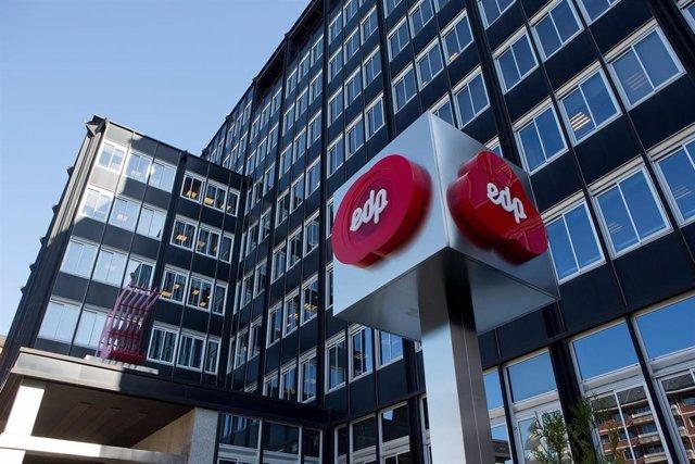 Archivo - EDP.- EDP inicia el suministro de energía a Adif, tras ganar el mayor contrato de España por 380 millones