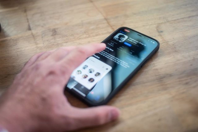 App de Clubhouse en un iPhone