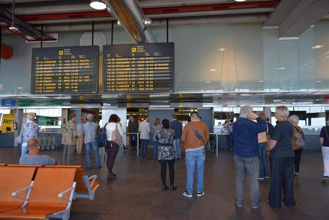 Archivo - Interior del Aeropuerto de La Palma