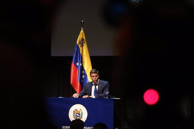 Archivo - El líder opositor venezolano Leopoldo López pronuncia su primer mensaje tras su salida de Venezuela, en el Círculo de Bellas Artes, Madrid (España), 27 de octubre de 2020. El pasado 24 de octubre, el líder del partido opositor venezolano Volunta