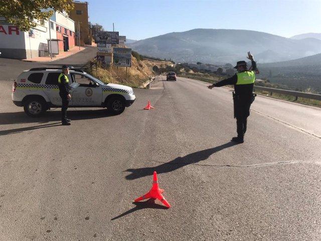 Archivo - Control de la Policía Local de Jaén para garantizar las restricciones de movilidad/Archivo