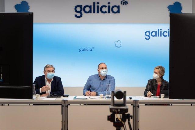 Rueda de prensa de Xosé Manuel Barreiro, Miguel Tellado y Marta González