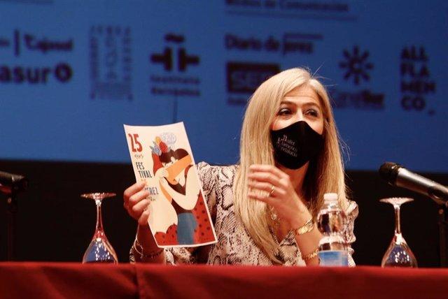Patricia del Pozo presentando el Festival de Jerez