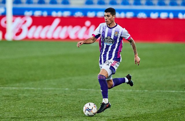 Archivo - Olaza of Real Valladolid CF during the Spanish league, La Liga Santander, football match played between Deportivo Alaves and Real Valladolid CF at Mendizorroza stadium on February 5, 2021 in Vitoria, Spain.