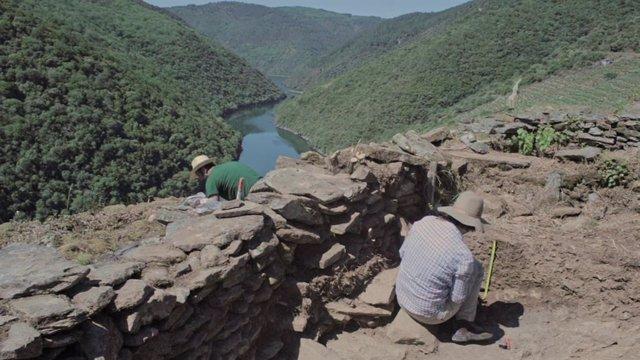 Excavaciones en un estudio que determina en el siglo X el origen de las terrazas de la Ribeira Sacra