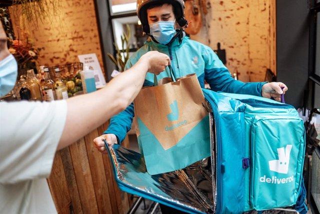 Archivo - Ndp Foto Estudio Deliveroo: Expectativas De Los Restaurantes 2021 Cerca De Un 40% De Los Restaurantes Se Vería Obligado A Cerrar Su Negocio En Los Próximos Seis Meses Si No Fuera Por El Delivery