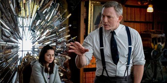 1. Netflix se hace con las dos secuelas de Puñales por la espalda por 450 millones de dólares
