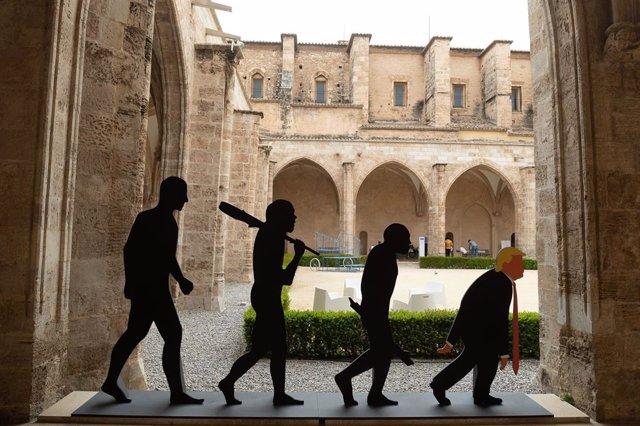 La exposición 'Edel Rodríguez. Agente naranja' en el CCCC de València