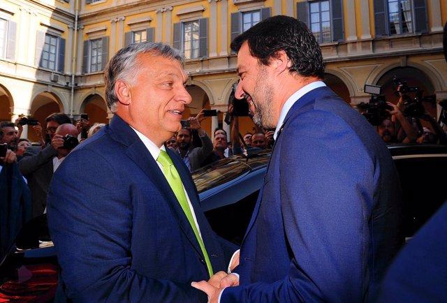Viktor Orbán y Matteo Salvini durante un encuentro en Milán, en 2018.